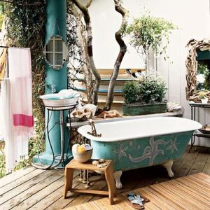 Again with the claw foot tubs. This time, taking it outdoors. Found on coastalliving.com
