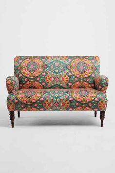 Fun, trippy pattern on this adorable love seat.
