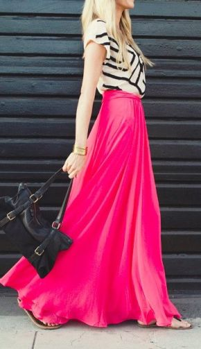 One of my absolute faves; a bright pop of pink in the form of a maxi skirt is complemented by a graphic black and white print top. This one is a sure pick for a baby shower.