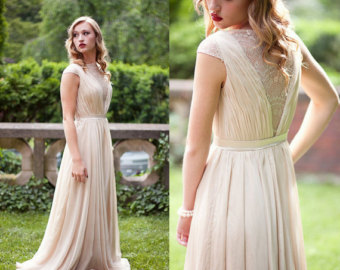 Very Duchess of Cambridge: This one has it all... flow, shape skimming cut and romantic details.