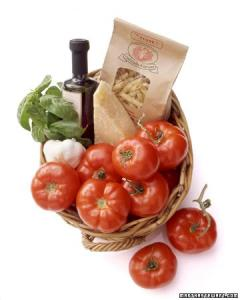 Fresh ingredients, well-presented, to help with dinner. Be mindful of food allergies and lifestyle.