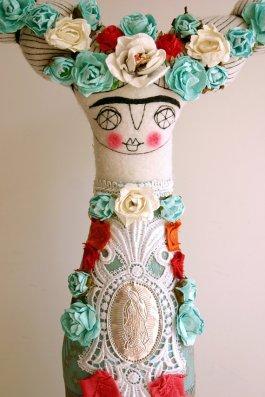 http://www.caracarmina.com/#!portfolio/vstc1=frida-dolls
