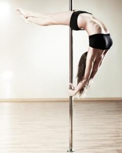 woman-pole-dancing-vert
